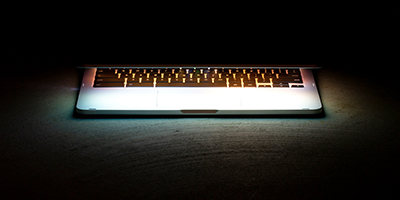 negative-space-laptop-keyboard-glow-400