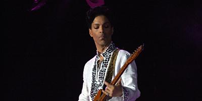 Prince_at_Coachella-400